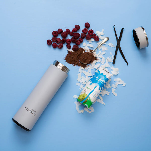 Colour Fressko flask with raspberries cacao and coconut water