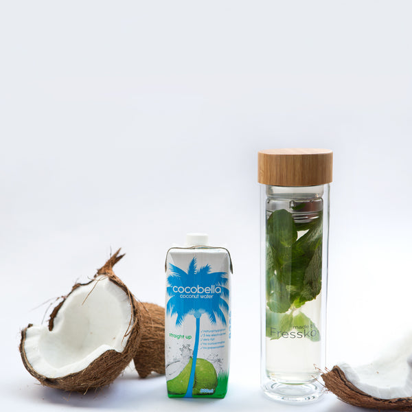 Mint infused coconut water in TOUR Fressko glass flask