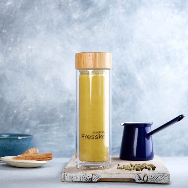 Turmeric latte in Fressko glass LIFT flask