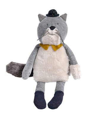 This 31 cm plush toy features Fernand wearing a bowler hat and a yellow bow tie.
