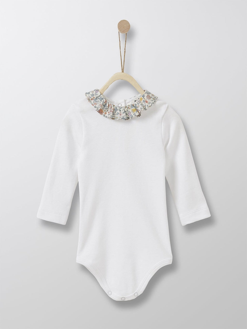 Cyrillus Paris | Bodysuit with Frill Collar | 100% Cotton | White + Liberty floral collar | 3M