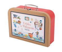 Load image into Gallery viewer, PASTRY COOKING KIT IN ILLUSTRATED VINTAGE-STYLE SUITCASE
