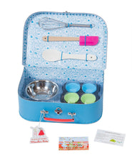 Load image into Gallery viewer, LA GRANDE FAMILLE BAKING SET IN ILLUSTRATED SUITCASE
