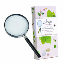 Load image into Gallery viewer, This real magnifying glass will allow young explorers to discover the world of the infinitely small. The magnifying glass comes in a beautifully illustrated gift box, inspired by the antique explorers' maps and naturalists drawings.
