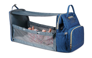 Expandable baby bed / changing crib bag with sun shade