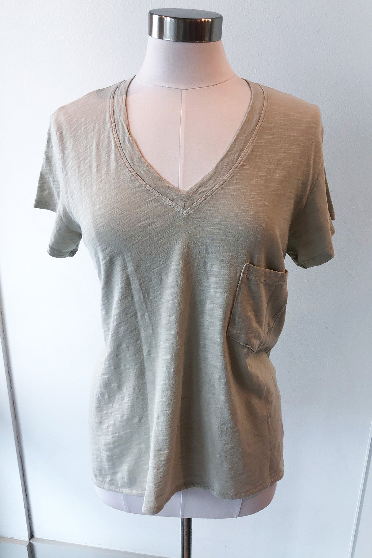 Slouchy Vintage V-Neck Pocket
