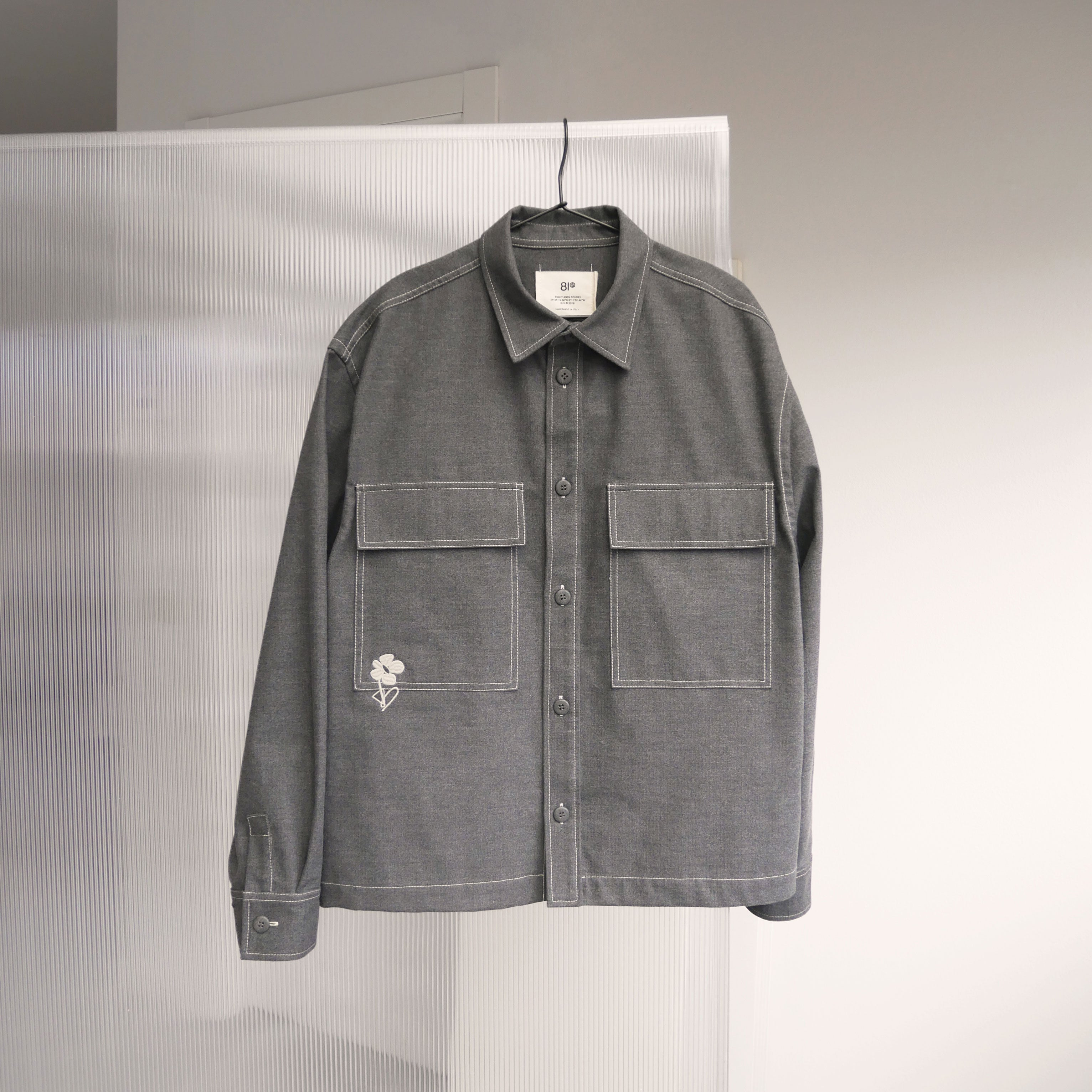 "Load image into Gallery viewer, ""Flower"" Overshirt - Grey"