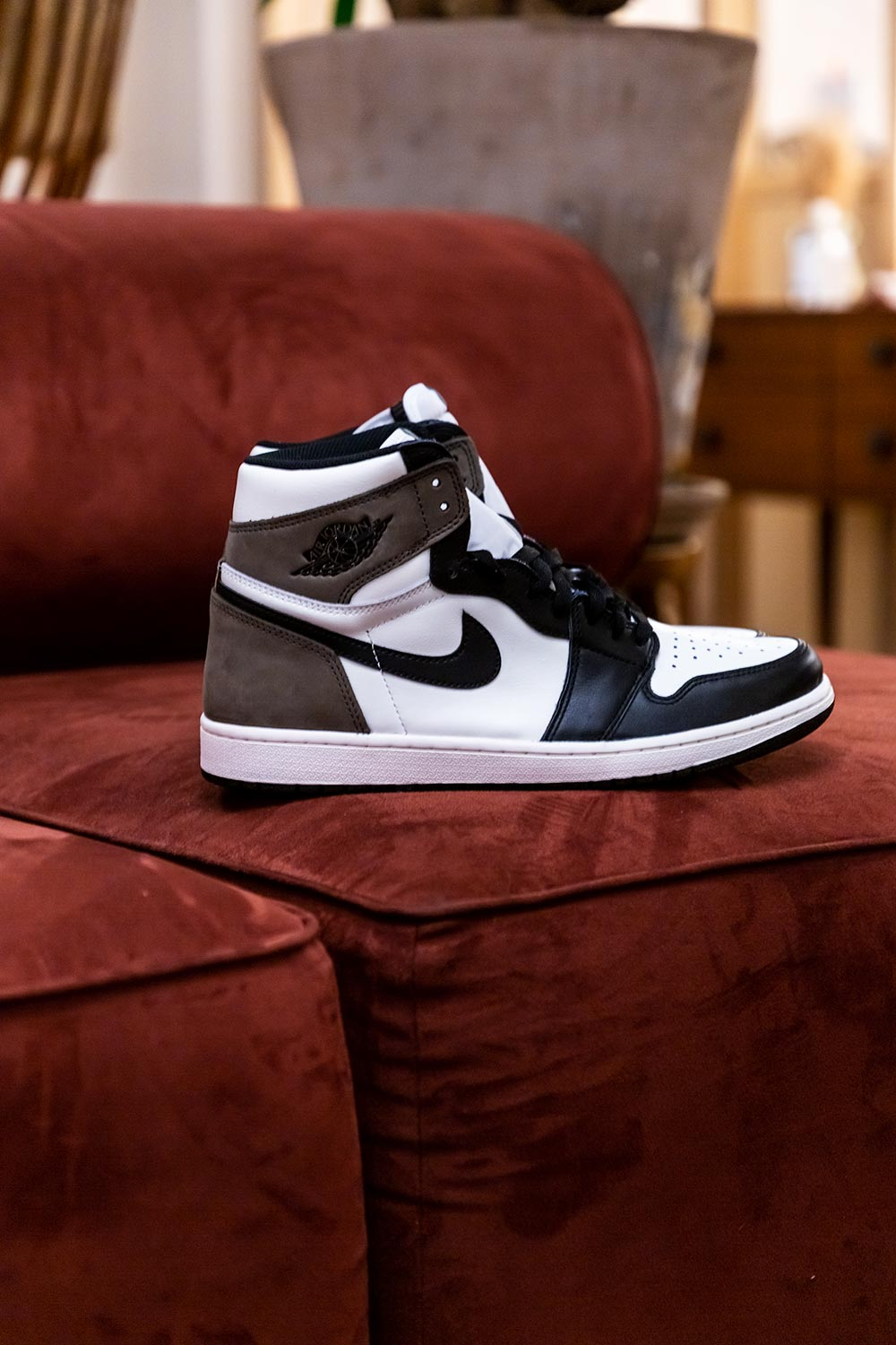 Jordan 1 Retro High Dark Mocha