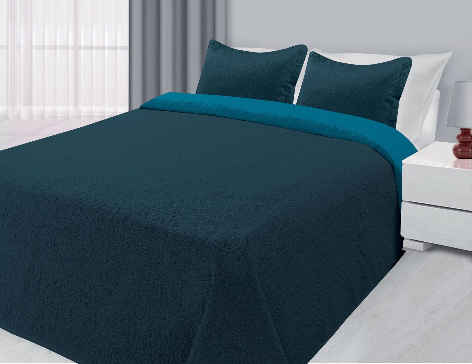 Reversible 3-Piece Solid Quilted Bedspread Coverlet Bedding Set - Navy & Blue