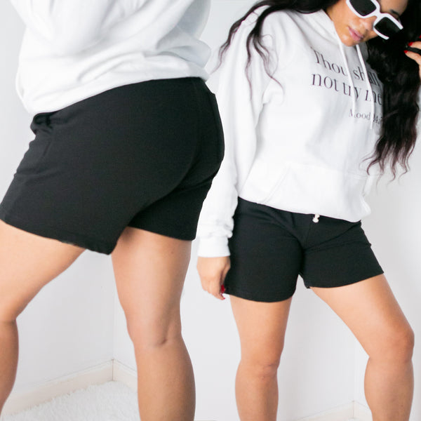 ESSENTIAL SWEATSHORTS | BLACK