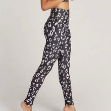 Load image into Gallery viewer, STRUT THIS TEAGAN ANKLE LEGGING - BLUSH LEOPARD