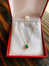 Load image into Gallery viewer, Round Emerald Necklace