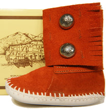 Load image into Gallery viewer, Taos Child / Infant Moccasins 106C