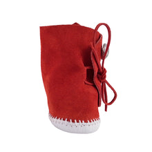 Load image into Gallery viewer, Taos Kids Moccasins w/ Buttons 570 (Youth)
