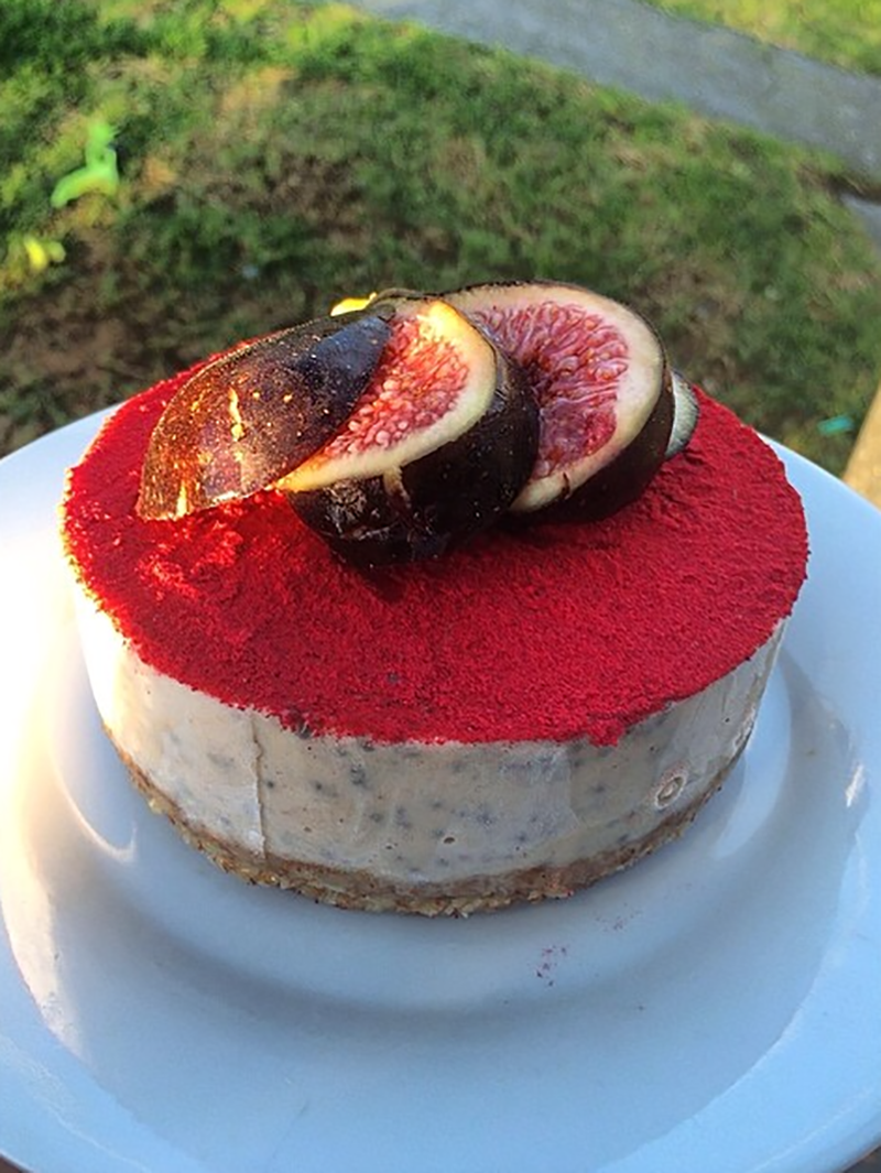 Chia and Quince Mini Cake