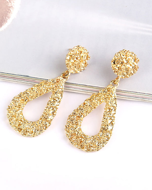 Textured Studded Teardrop Pattern Earring