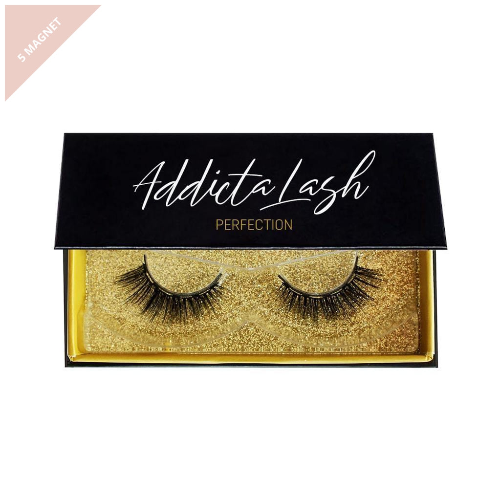 Pair of soft glamorous magnetic lashes in a beautiful gold and black box made by Addictalash