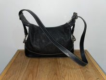 Load image into Gallery viewer, Mulberry Vintage Scotch Grain Black Medium Shoulder Bag