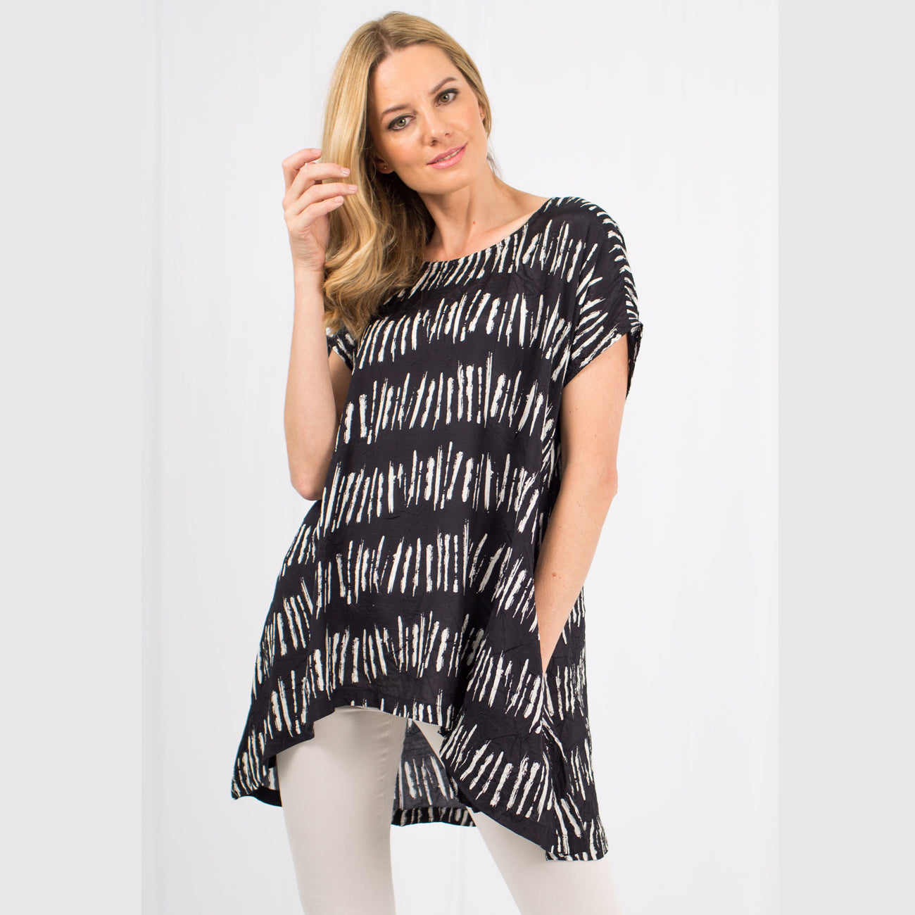 Cora Abstract Print Tunic Top | Black
