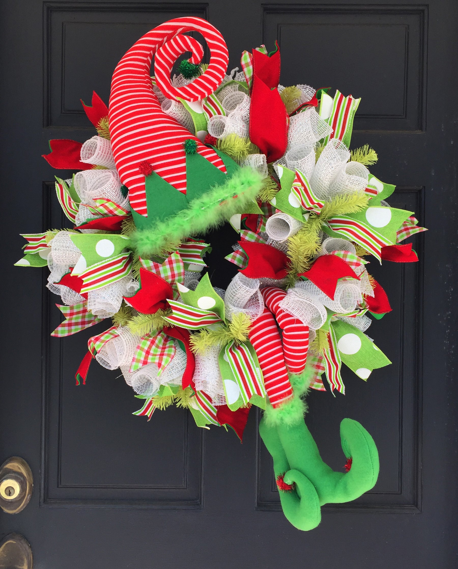 2016 Elf with Striped Hat & Legs Wreath Tutorial