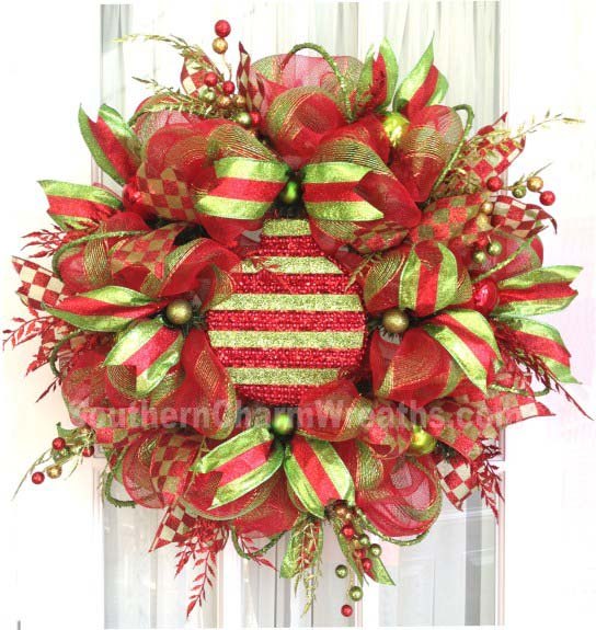 Attaching Large Ornaments to Wreaths