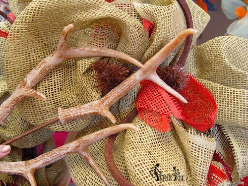 F3303049-antler-spray-wreath