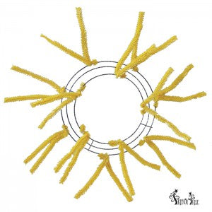 XX167829-yellow-pencil-10-wreath