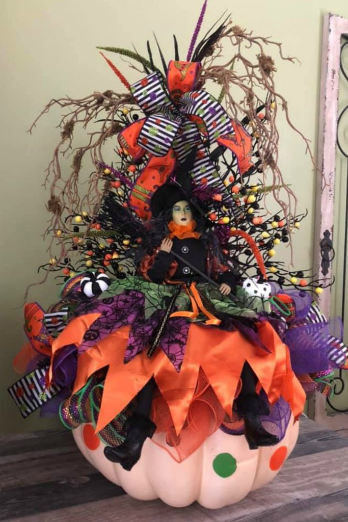 Halloween Centerpiece, Learn how to Make Wreaths and Centerpieces