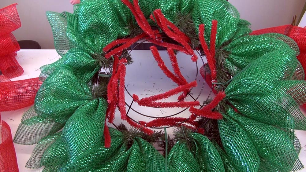 poinsettial wreath tutoriao, christmas wreath tuktorial,