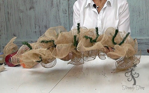 autumn-centerpiece-natural-ruffles-finished-trendytree
