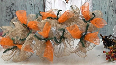autumn-centerpiece-ruffles-curls-finished-trendytree