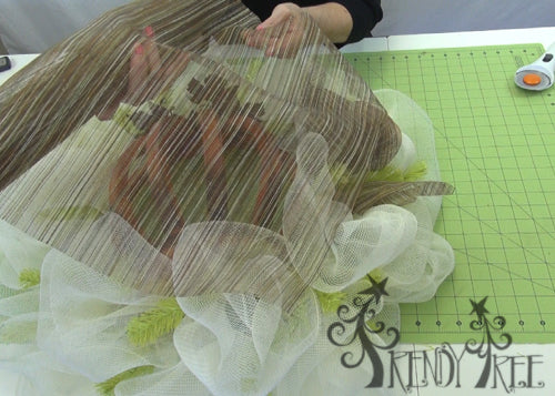 autumn-pumpkin-wreath-tutorial-choosing-sheer-fabric