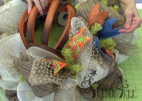 autumn-pumpkin-wreath-tutorial-chose-three-ribbons