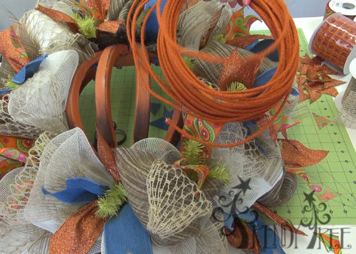 autumn-pumpkin-wreath-tutorial-orange-jute-roping