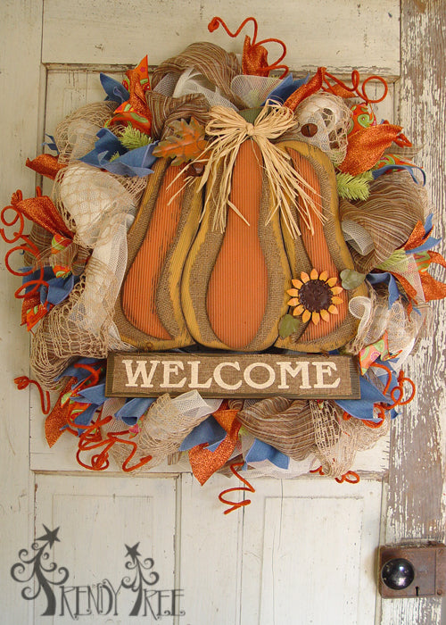 autumn-pumpkin-wreath-tutorial-pumpkin-sign-welcome-2