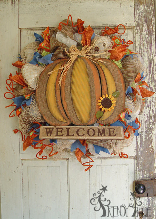 autumn-pumpkin-wreath-tutorial-pumpkin-sign-welcome