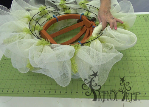 autumn-pumpkin-wreath-tutorial-roll-cut-ends-mesh
