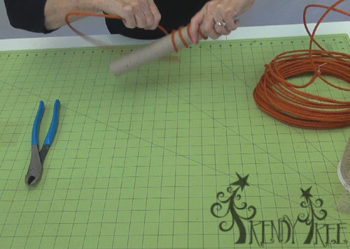 autumn-pumpkin-wreath-tutorial-roll-jute-roping
