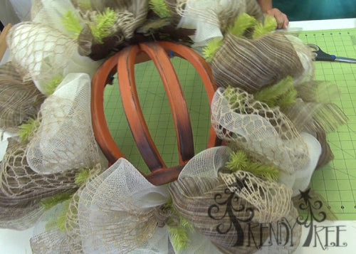 autumn-pumpkin-wreath-tutorial-wired-jute-netting-finished