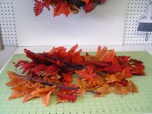autumn-wreath-leaves-left-over