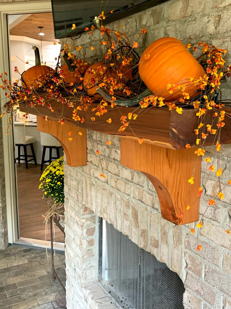 fireplace mantel decor, pumpkin for back porch, fall mantel decoration, back porch fall decor