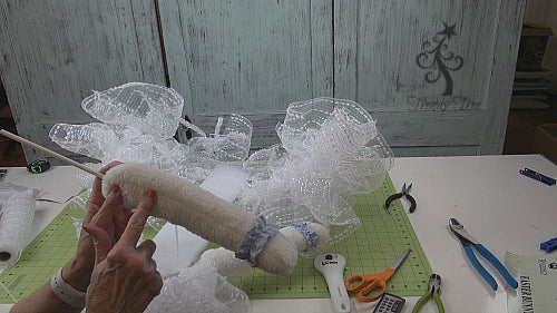 ballerina-bunny-wreath-tutorial-trendytree-seam-arm