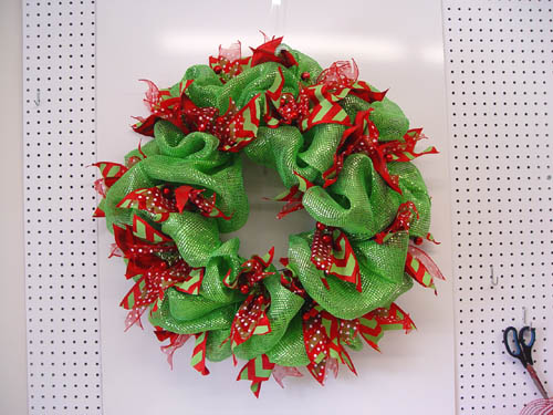 basic-green-wreath-ribbon-strips-complete