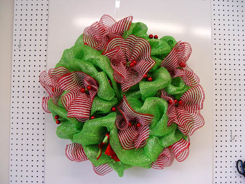 basic-green-wreath-ruffles-complete