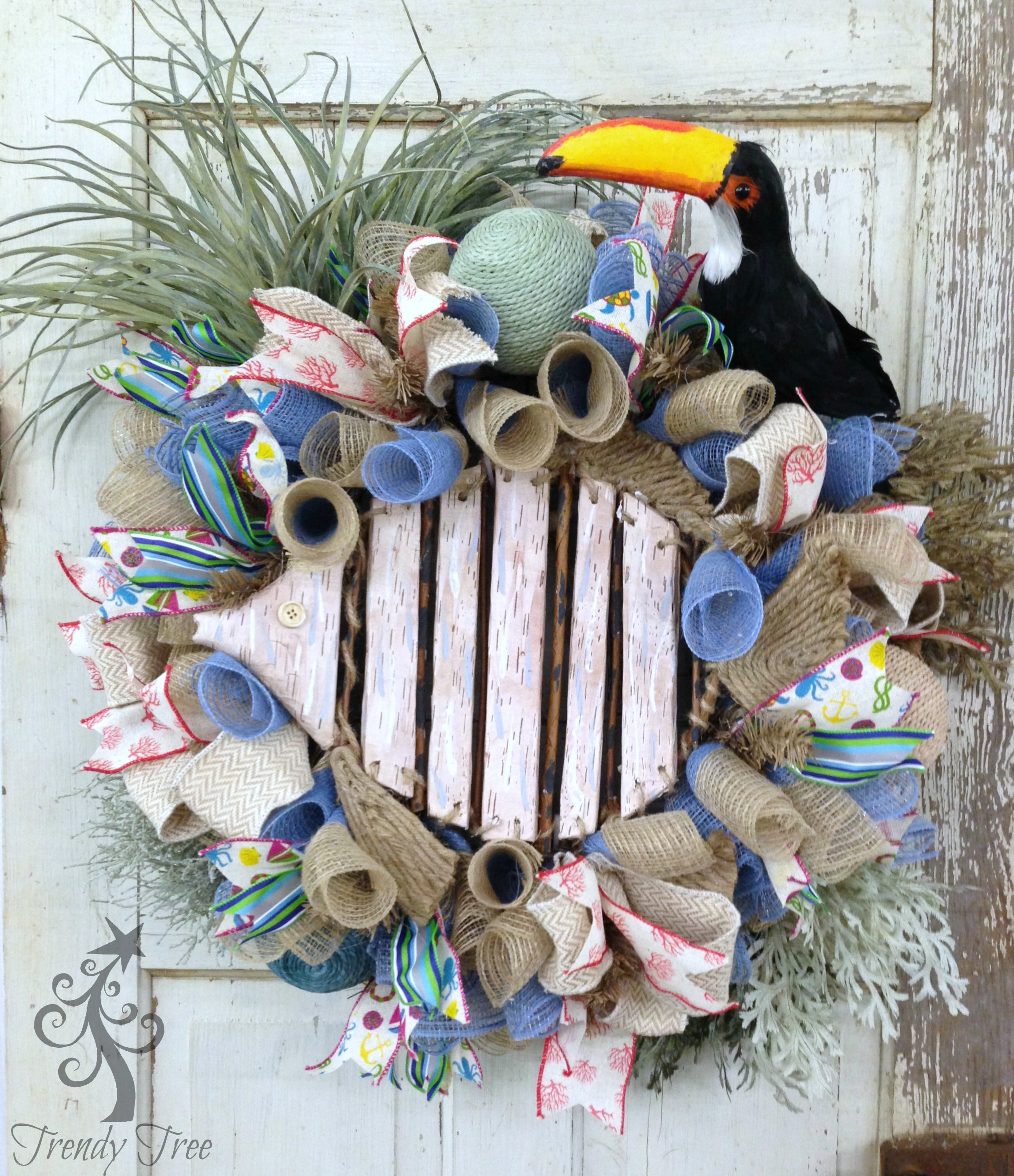 beach-wreath-toucan-logo