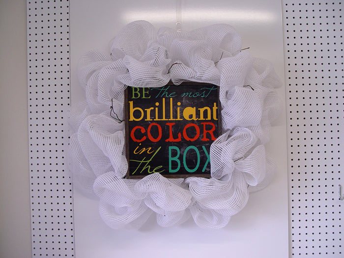 brilliant-color-wreath-mesh-finished-twists-showing