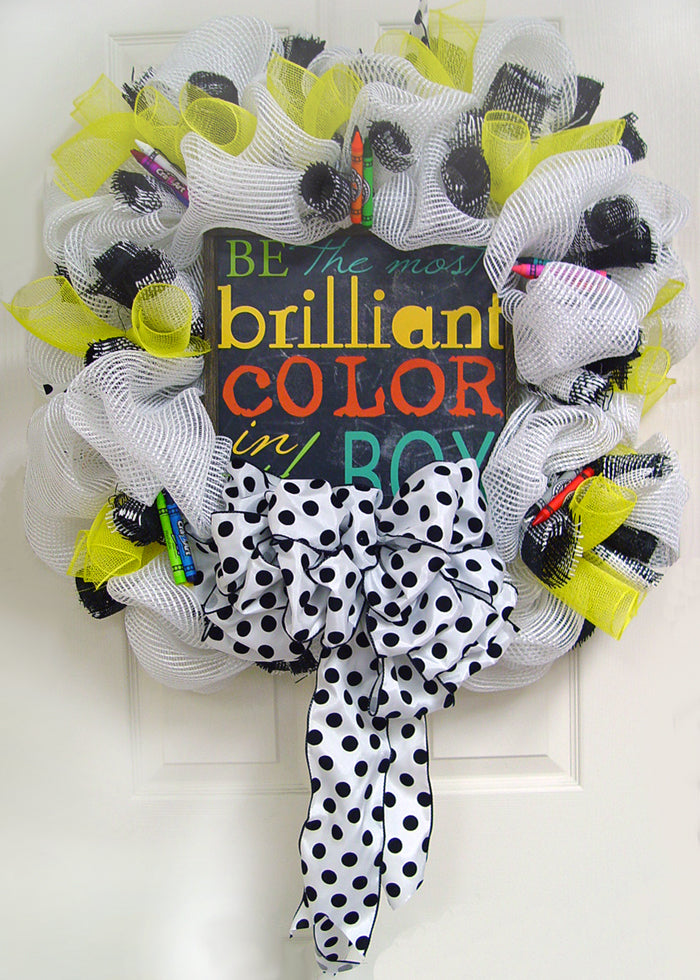 brilliant-color-wreath-yellow-on-door