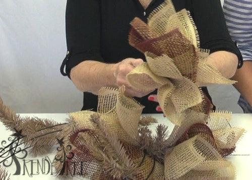 burlap-paper-mesh-autumn-wreath-three-paper-curls