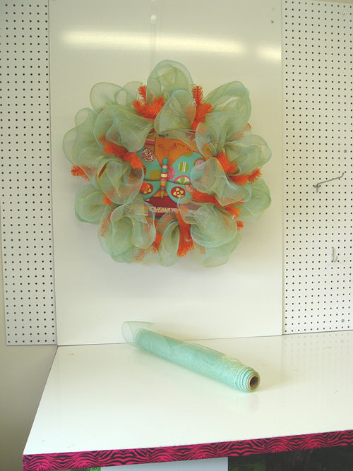 butterfly-wreath-left-over-mesh