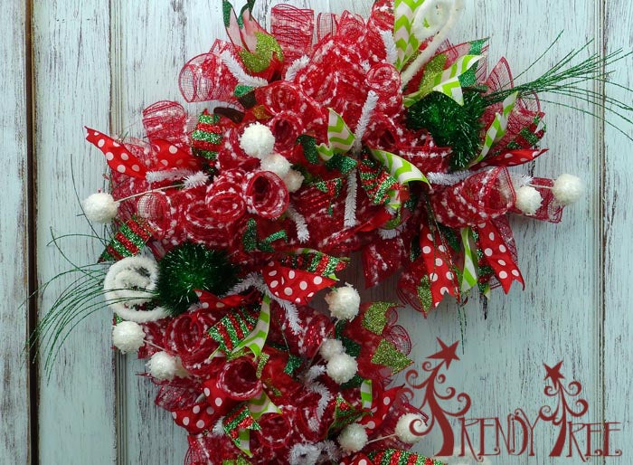 candy-cane-red-white-closeup